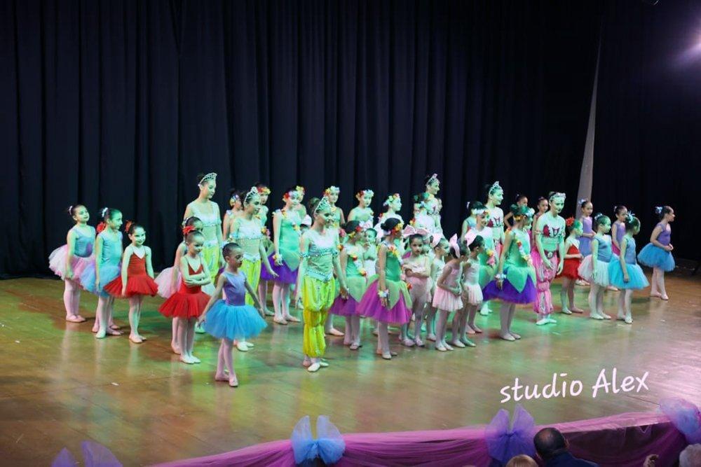 Hamazkayin Ballet School Holds Annual Performance in Beirut