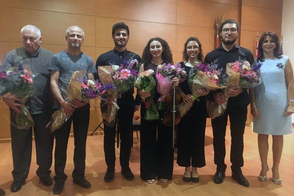 Narod Seroujian Holds Solo Violin Recital in Beirut