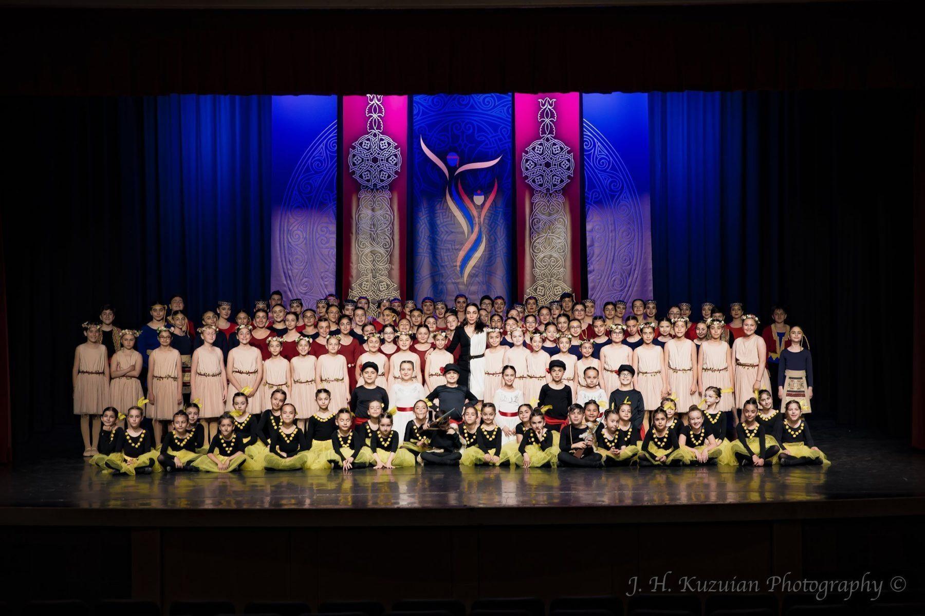 "Hamazkayin ""Artsakh"" Dance School and ""Erepuni"" Dance Ensemble Hold Annual Performance in Canada"